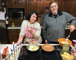 Hunter Yoni Latkes Chanukah 2017